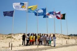 Loulé luce en sus playas las banderas azul, blanca y dorada