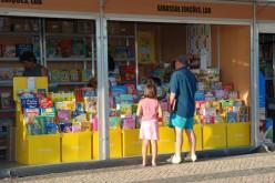 La Feria del Libro y Artesanía anima el verano en Quarteira