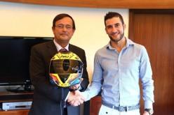 El piloto Miguel Praia se retira y entrega su casco a Albufeira