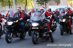 Papás Noel moteros, camino de Faro