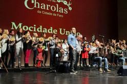 La charola 'Mocidade Uniao Bordeirense' llena Faro de música