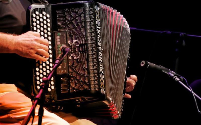 Los sones del acordeón llenan Castro Marim