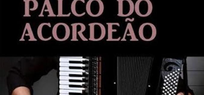 Los sones del acordeón llenan de música Castro Marim
