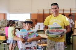 Olhao entrega material escolar a sus alumnos de Primaria