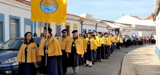 La Cofradía del Atún de Vila Real desfila por Castro Marim