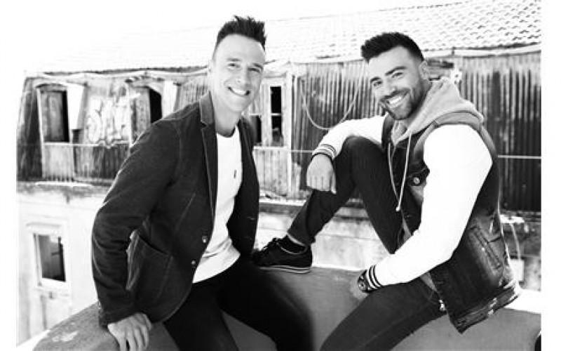 El dúo 'Anjos' da la bienvenida a 2017 en Monte Gordo