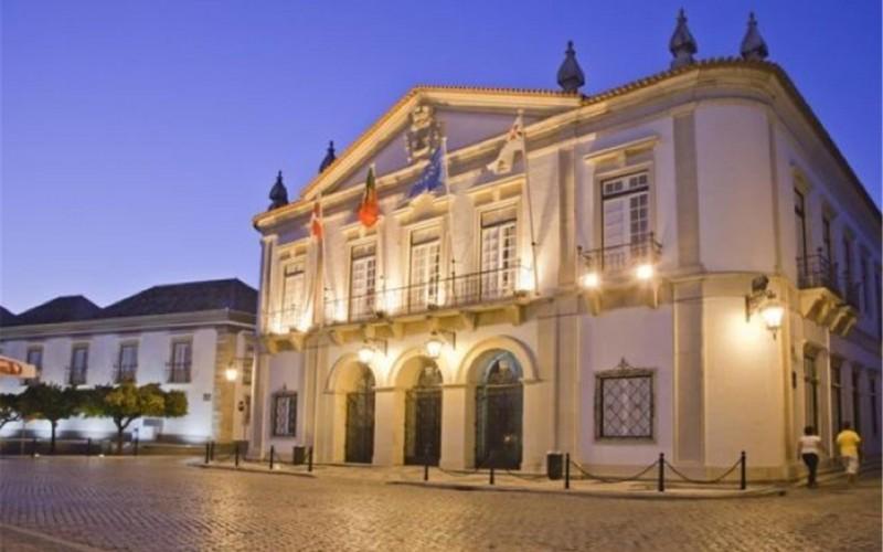 Conciertos y exposiciones en Faro, por el 25 de abril