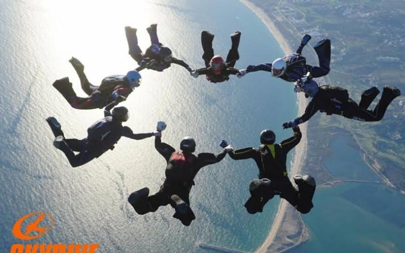 600 paracaidistas sobrevuelan el Algarve en el Xmas Boogie 2016
