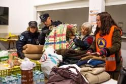 Olhao reparte mantas y ropa de abrigo entre las personas sin hogar