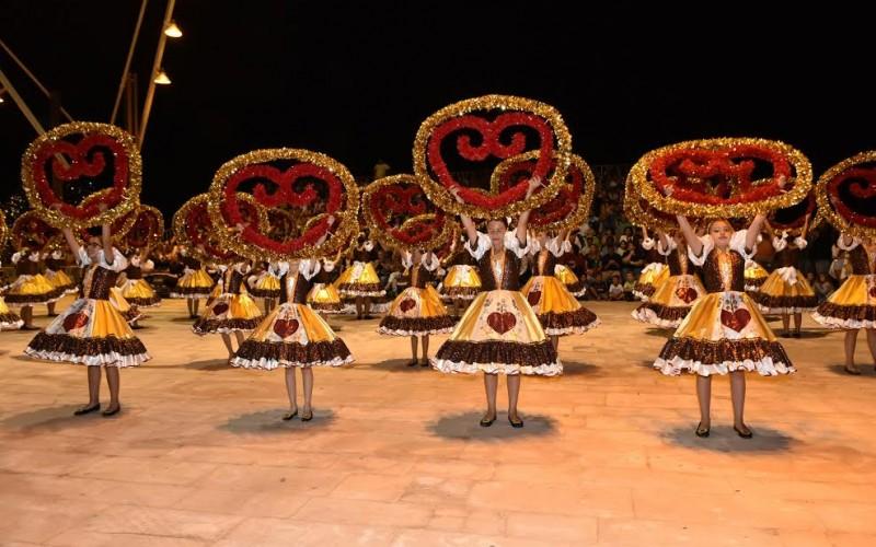 Desfile de Marchas y bailes de los Santos Populares, en Loulé