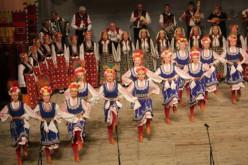 Las danzas del mundo llenan las calles de São Brás