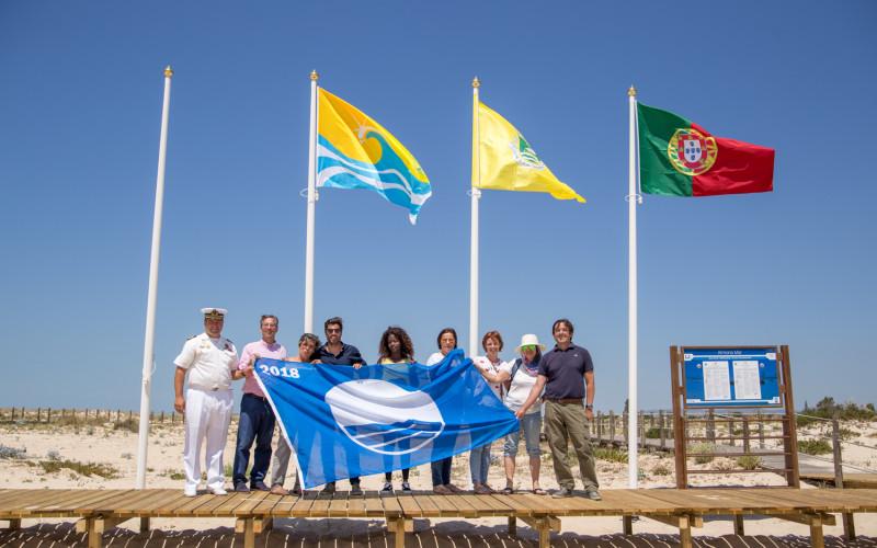 Las playas de Olhao ya lucen sus banderas azules
