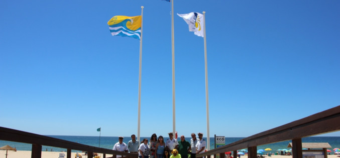 Castro Marim ya luce sus banderas azules