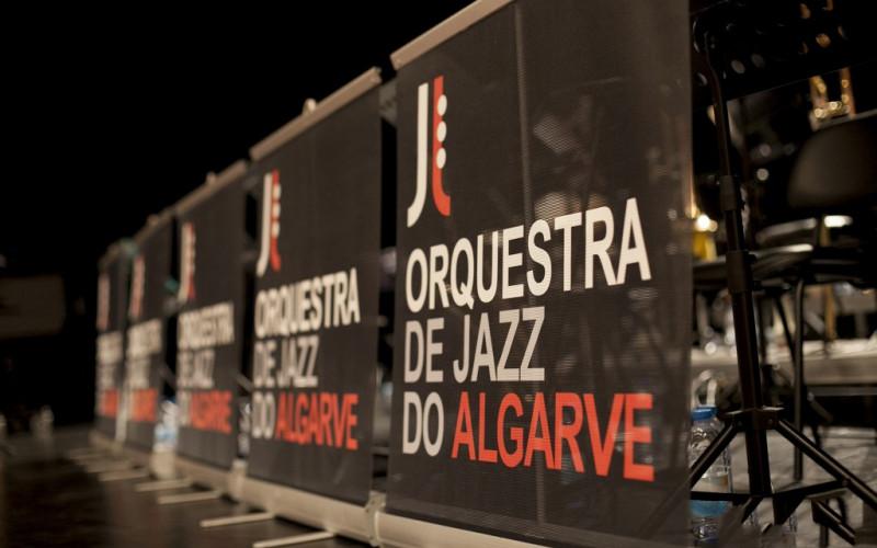 La Orquesta de Jazz del Algarve anima las noches en Quarteira