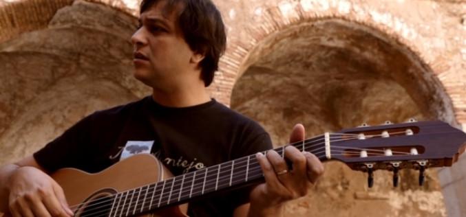 Luís Galrito lleva su último disco al Cine-Teatro Louletano