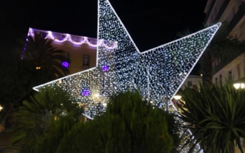 Lagos se llena de luz y color por Navidad