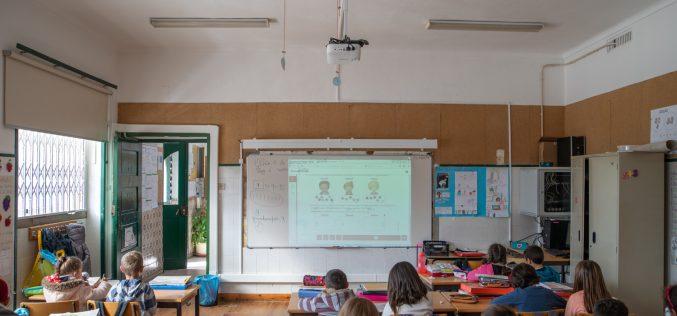 El Municipio de Olhão equipa aulas de preescolar y 1º Ciclo con material multimedia