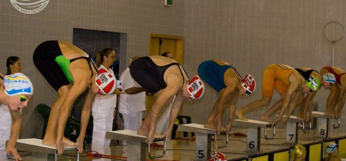 El Torneo Regional de Velocidad de Natación que se llevó a cabo en Silves contó con 295 nadadores