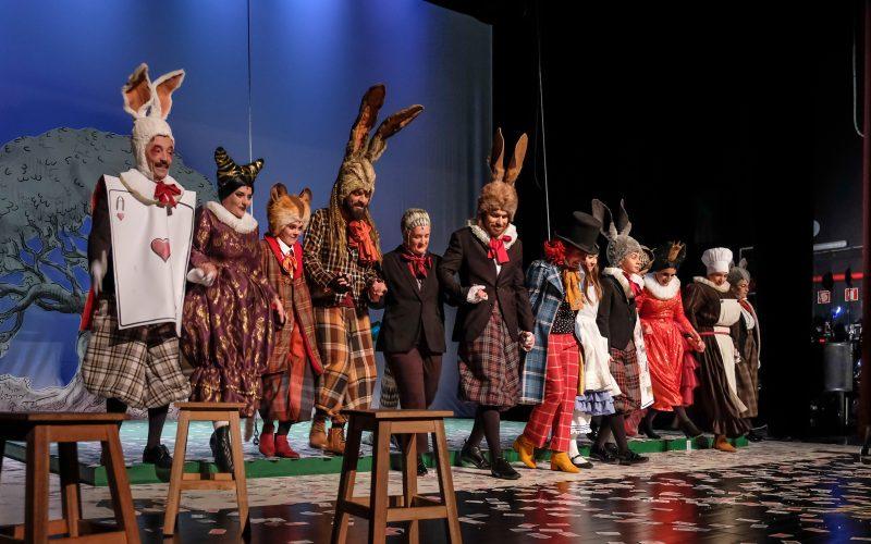 Más de 900 personas acompañaron «Alicia en el país de las maravillas» en el cine-teatro louletano