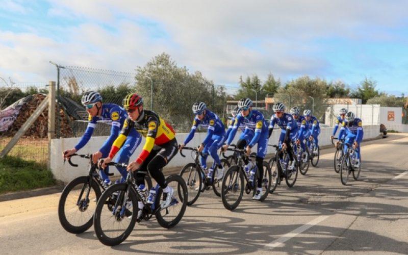 """«El mejor equipo del mundo del ciclismo 2018"""", el belga Deceuninck-Quick Step, escogió Lagoa para sus entrenamientos"""