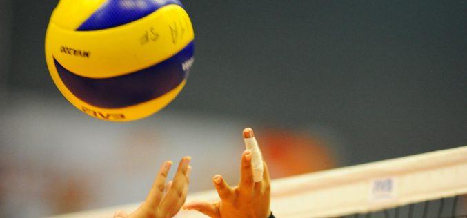 """""""Todos juegan … voleibol"""" en el pabellón de Loulé"""