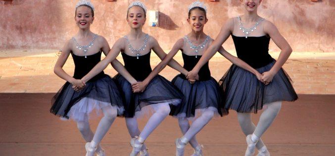El Festival de Danza «Arte sin Fronteras» llenó Revelim de Santo António
