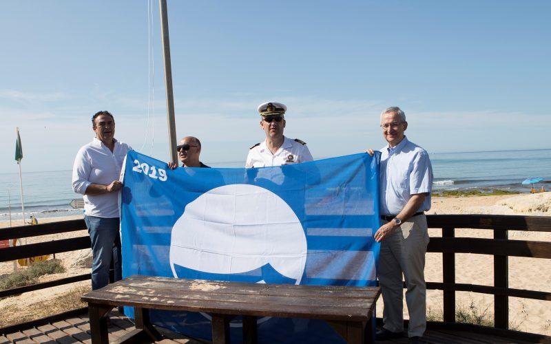 Lagoa foi a primeira praia algarvia a hastear a Bandeira Azul 2019