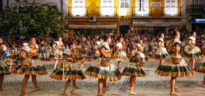 Marchas de Quarteira e s. clemente desfilam em Loulé