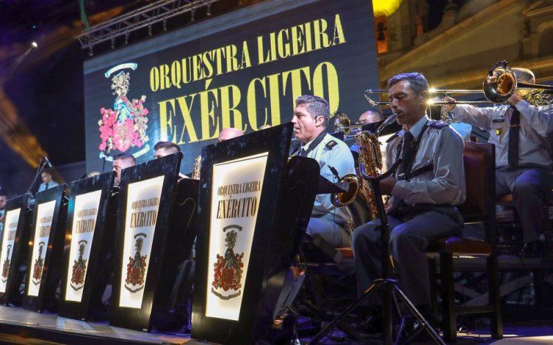 Lagos da la bienvenida a la Orquesta del Ejército con Cuca Rosetta