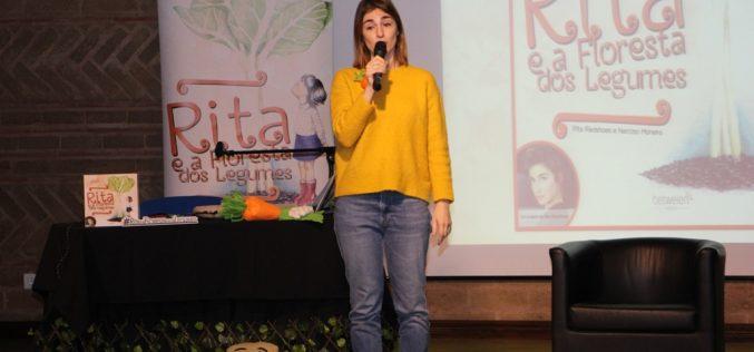 Rita Redshoes llevó a niños al Bosque Vegetal