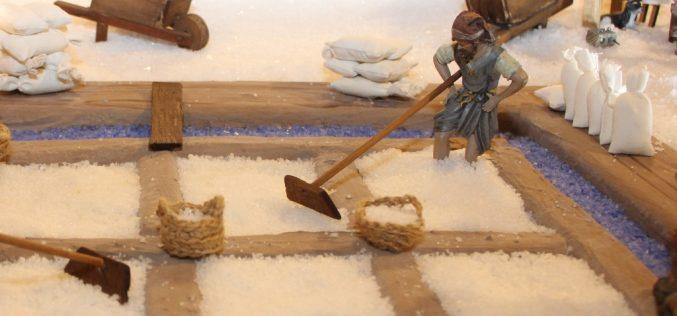 Castro Marim vuelve a fabricar el pesebre con «la mejor sal del mundo»