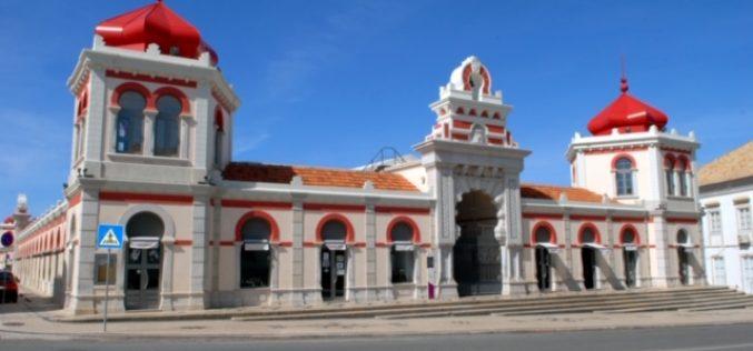 Mercados ambulantes de alimentos em Loulé e Quarteira reabrem com medidas acrescidas de segurança