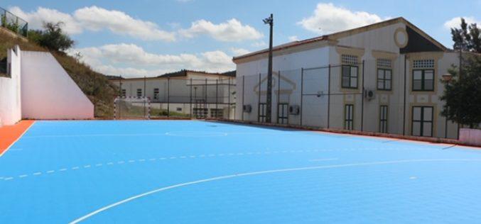 A melhoria do centro esportivo da escola de Alcoutim foi realizada