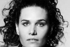 Susana Travassos lanza su nuevo videoclip