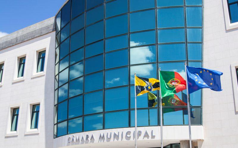 El municipio de Lagoa y la región de turismo del Algarve informan sobre ayudas a microempresas