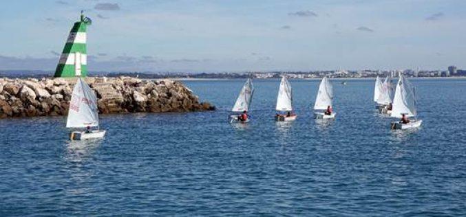 Lagoa apoya el deporte escolar y promueve la práctica de vela